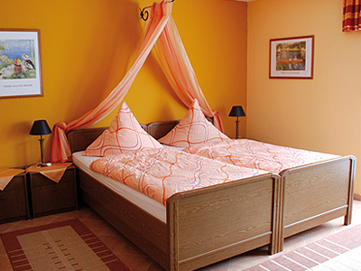 Ein- und Mehrbettzimmer